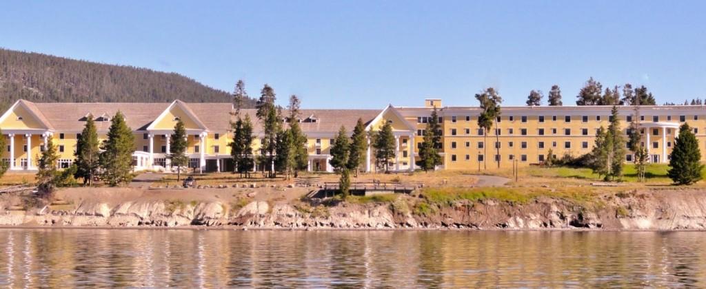 Lake_Hotel_M